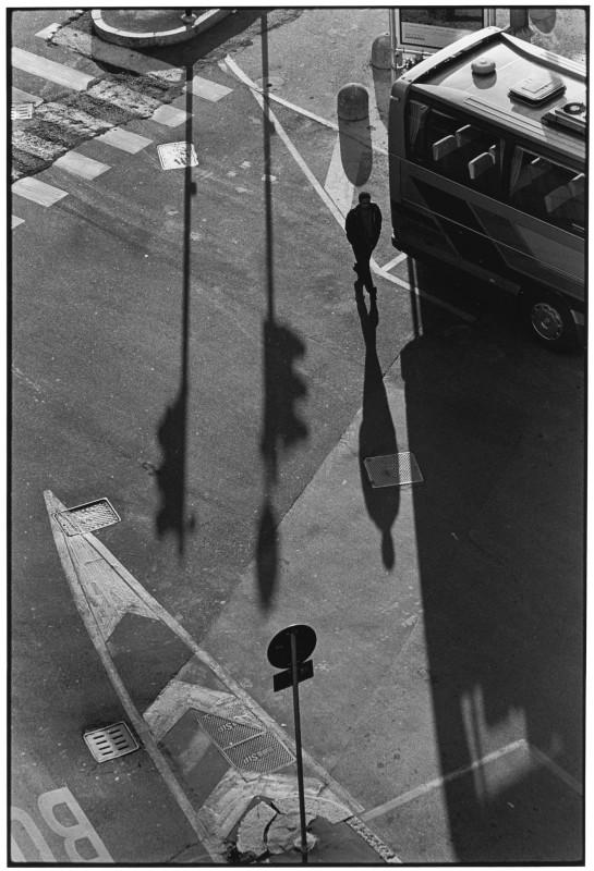 Elliott Erwitt, MILAN, ITALY, 2000