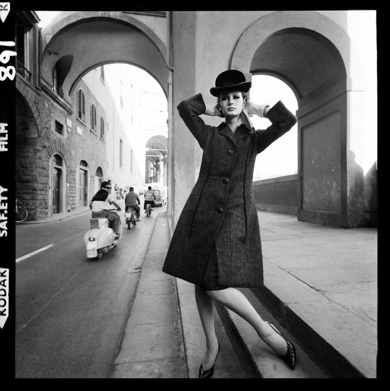 Brian Duffy, FASHION FOR 'VOGUE', FLORENCE, 1964 [III]