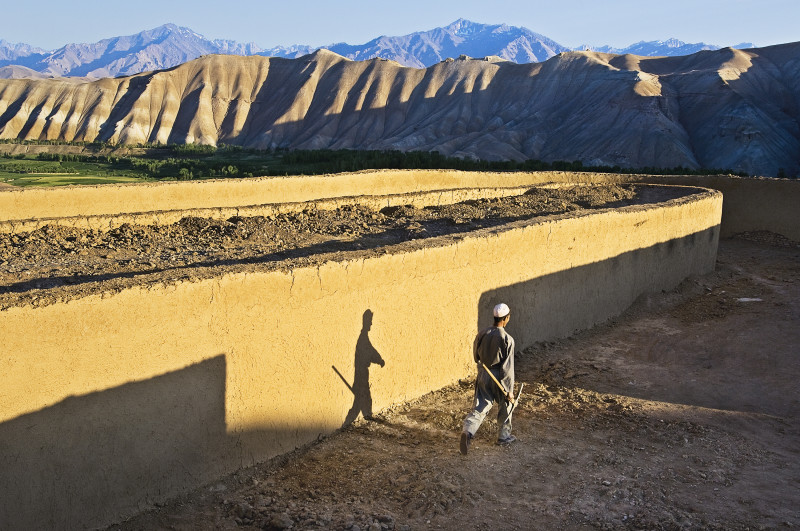 Steve McCurry, BRICK WORKER, AFGHANISTAN, 2006