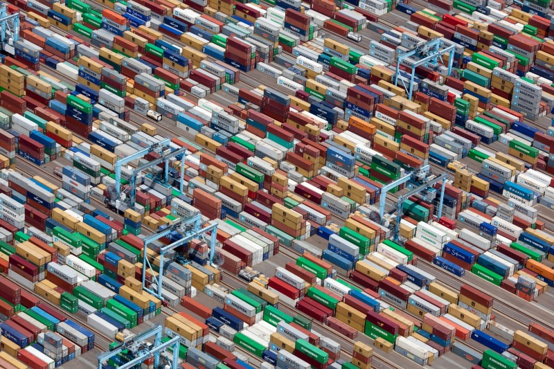 Alex Maclean, SHIPPING CONTAINERS, PORTSMOUTH, VIRGINIA, USA, 2011