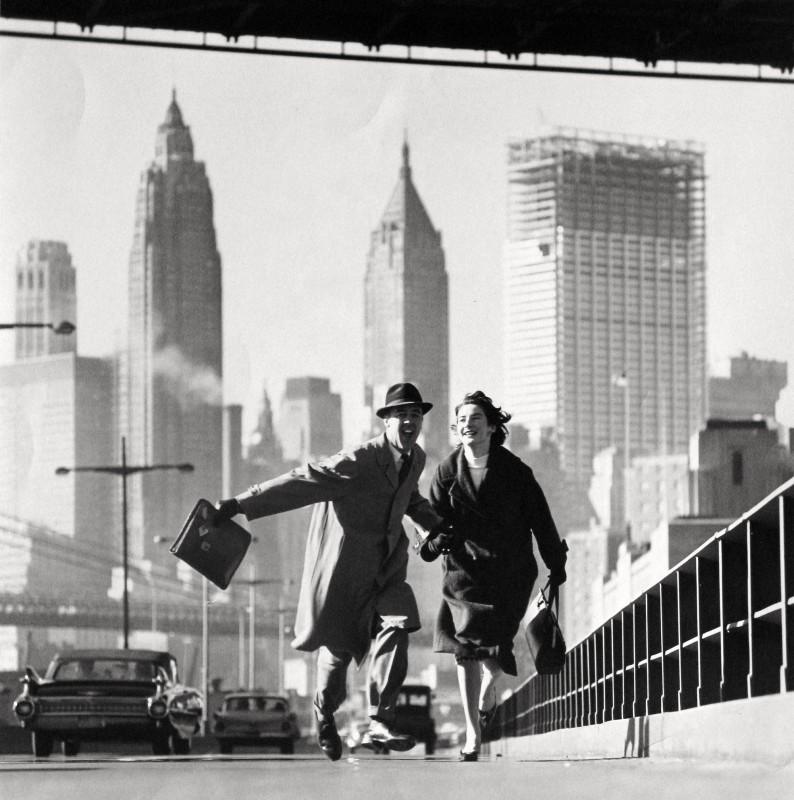 Norman Parkinson, NEW YORK, NEW YORK, EAST RIVER DRIVE, 1960
