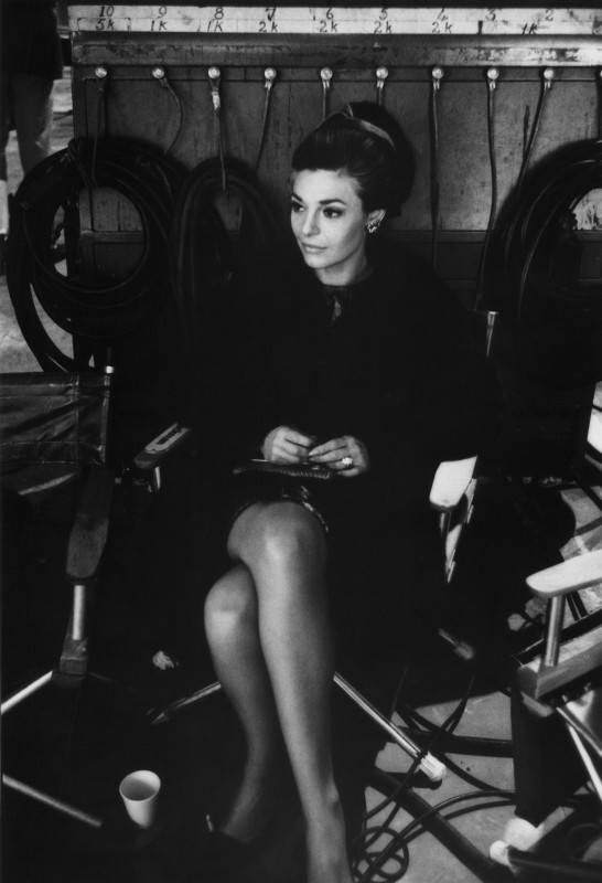Bob Willoughby, ANNE BANCROFT BEHIND THE SCENES ON THE SET OF 'THE GRADUATE' , 1967