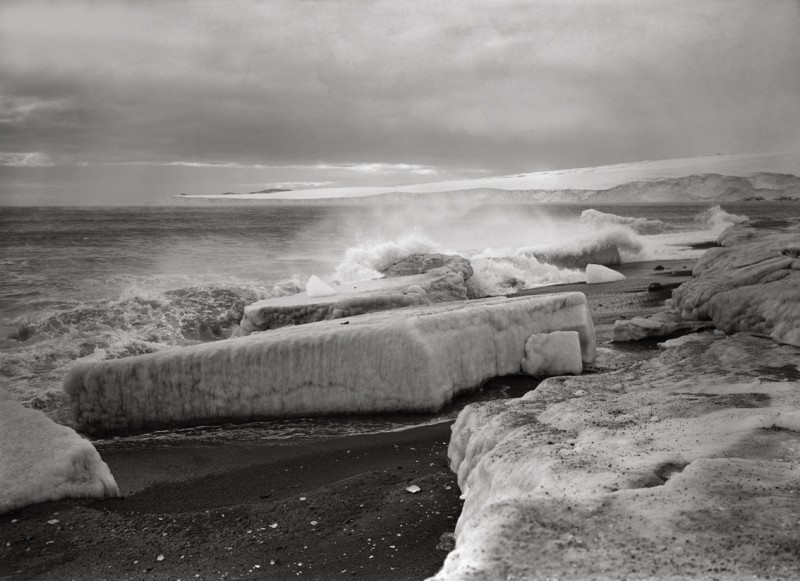 Herbert Ponting, WAVE BREAKING AT WEST BEACH, 28 FEBRUARY 1911