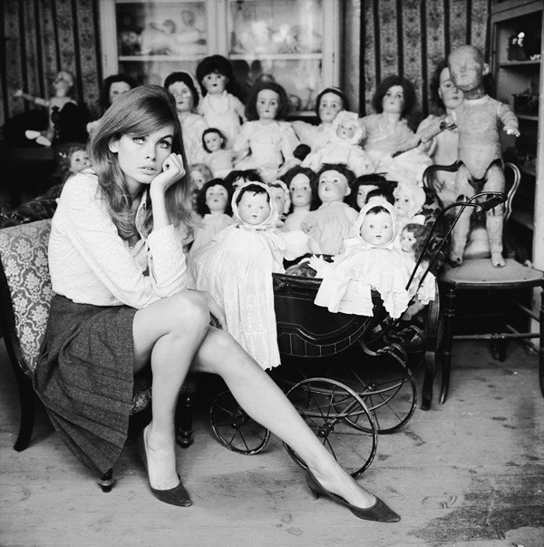 Terry O'Neill, JEAN SHRIMPTON AT A DOLL'S HOSPITAL, LONDON, 1964