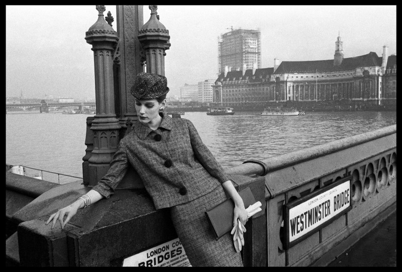 Brian Duffy, FASHION FOR 'VOGUE', WESTMINSTER BRIDGE, 1961