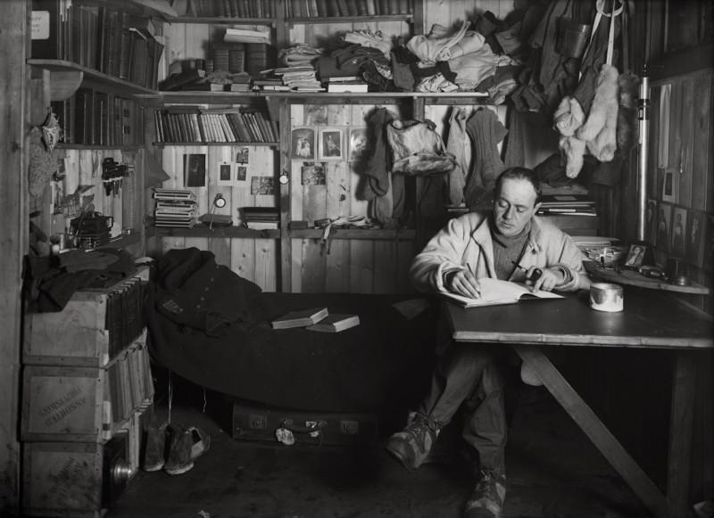 Herbert Ponting, CAPTAIN ROBERT FALCON SCOTT IN HIS DEN, 7 OCTOBER 1911