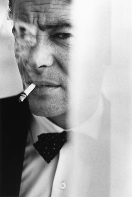 Bob Willoughby, PETER O'TOOLE PHOTOGRAPHED AT THE BEVERLY HILLS HOTEL, 1962