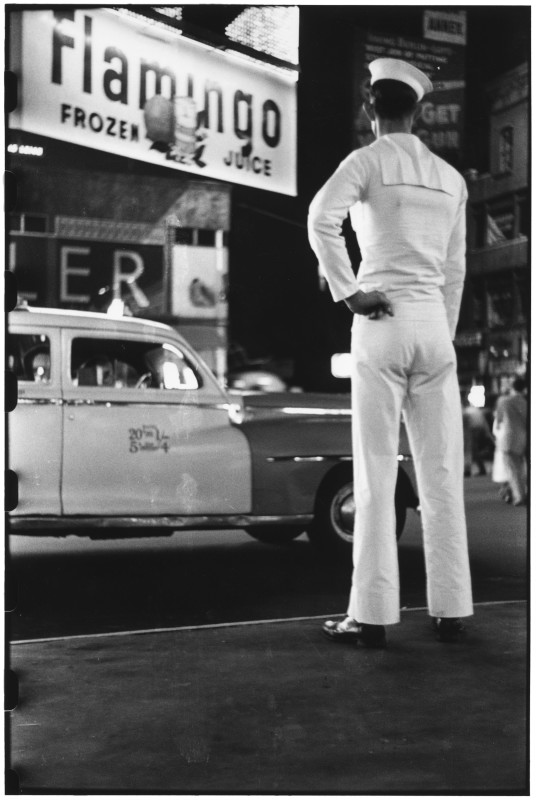 Elliott Erwitt, TIMES SQUARE, NEW YORK, USA,, 1950
