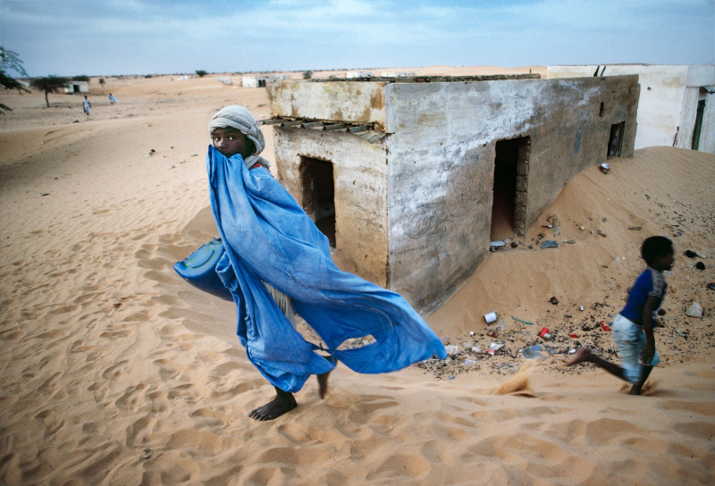 Steve McCurry, CHILD IN DESERT, MAURITANIA