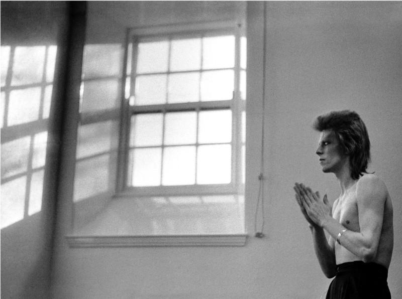 Mick Rock, DAVID BOWIE, PRAYING BY WINDOWS, 1973