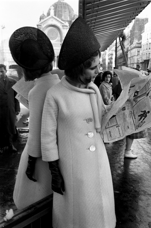 Brian Duffy, ROBES A TOILLE DOUCE, PARIS, MARCH, 1962