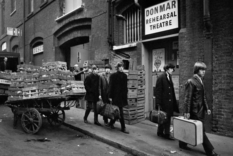 Terry O'Neill, THE ROLLING STONES OUTSIDE THE DONMAR REHEARSAL THEATRE, COVENT GARDEN, LONDON, 1963