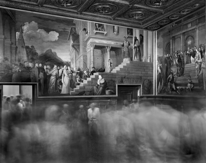 Matthew Pillsbury, THE UNVEILING OF TITIAN'S PRESENTATION OF MARY, GALLERIE DELL'ACCADEMIA, VENICE, 2012