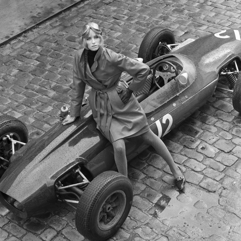 Patrick Lichfield, JILL KENNINGTON WITH A LOTUS FORMULA ONE RACING CAR, EATON MEWS NORTH, LONDON, 15TH SEPTEMBER, 1964