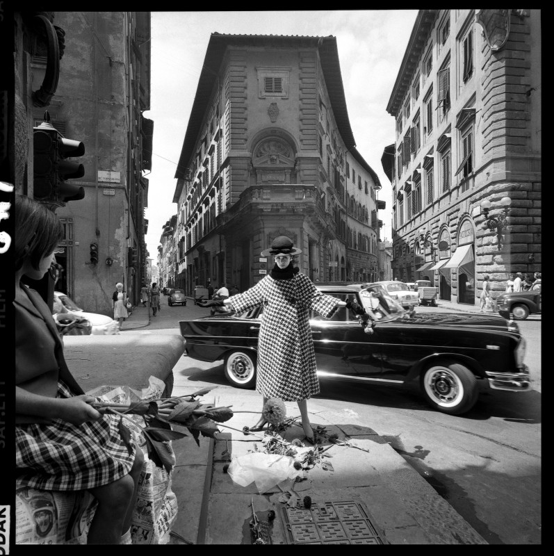 Brian Duffy, FASHION FOR 'VOGUE', FLORENCE, 1964 [I]