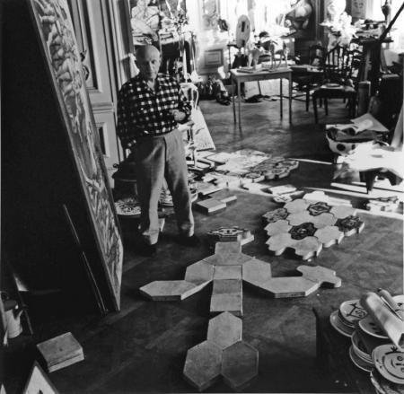 Lucien Clergue, PICASSO ET LES CERAMIQUES, LA CALIFORNIE, CANNES, 1955