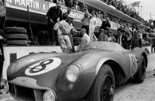 Jesse Alexander, STIRLING MOSS, ASTON MARTIN PITS, LE MANS, 1958