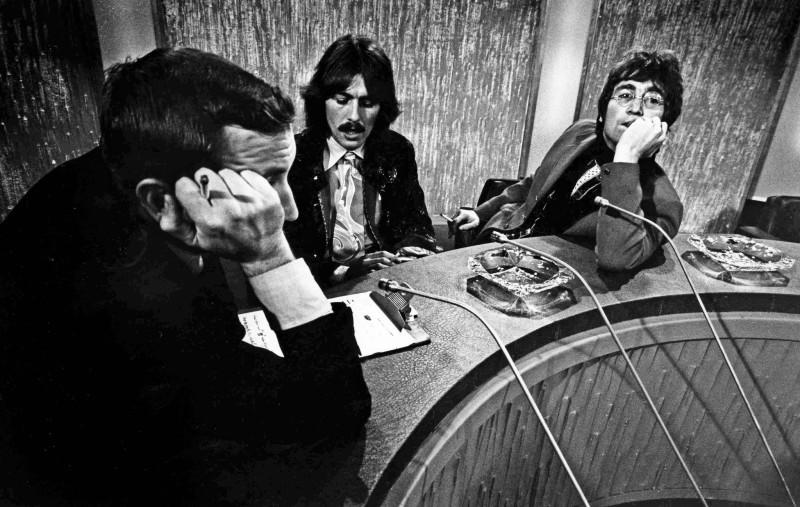 Jurgen Schadeberg, DAVID FROST INTERVIEWS GEORGE HARRISON AND JOHN LENNON, LONDON, 1968