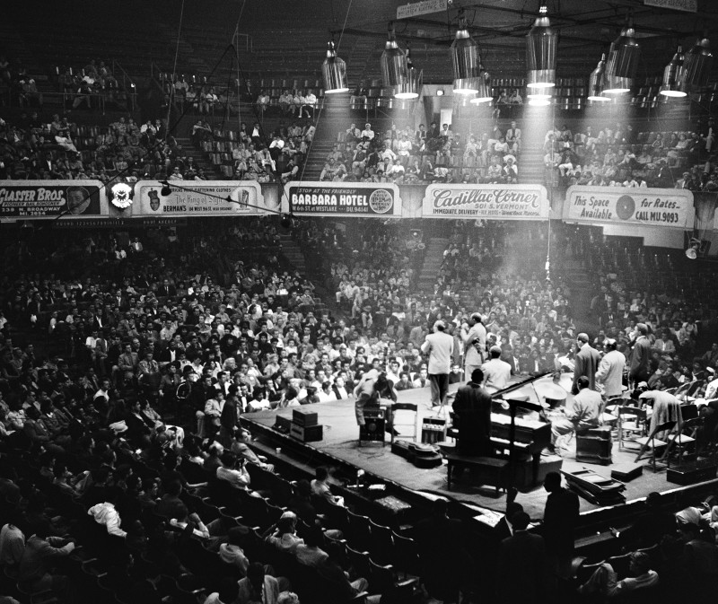 Bob Willoughby, THE MIDNIGHT BIG JAY MCNEELEY CONCERT, OLYMPIC AUDITORIUM, LOS ANGELES, 1951