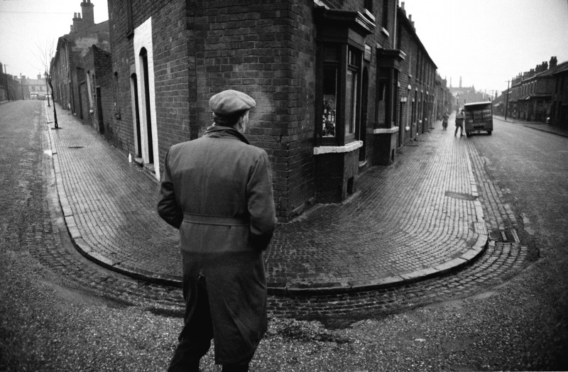 John Bulmer, DIVIDING STREET, BLACK COUNTRY, WINTER, 1960-1961