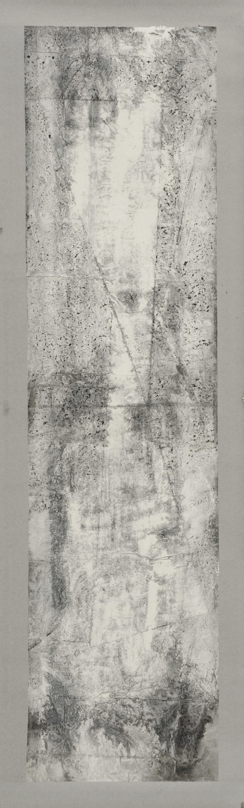 Zheng Chongbin, White Reflection, 2012,  Ink and acrylic on xuan paper, 272 x 68.5 cm