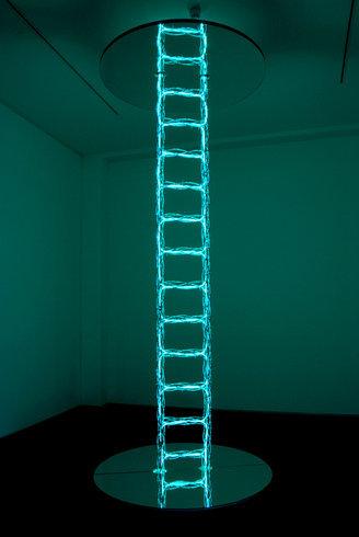 <p>Ladder to Heaven, 2006<br /><i>Mirror, metal, lighting fiber tube, 396 x 150 cm</i></p>
