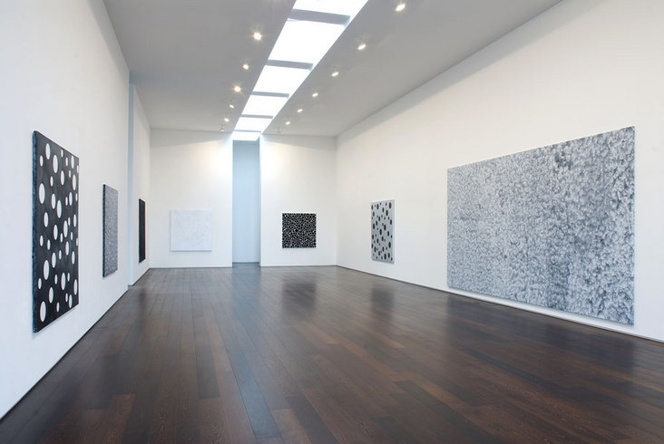 <p>Installation View, Yayoi Kusama,Gallery II, Victoria Miro, 16 Wharf Road London N1 7RW, 2007</p>