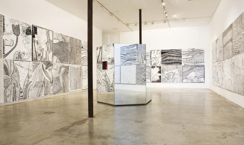 "<p><span style=""line-height: 1.5em;"">Installation View, Yayoi Kusama,Gallery I & II, Victoria Miro,</span><span style=""line-height: 1.5em;"">16 Wharf Road, London, N1 7RW, 2008</span></p>"