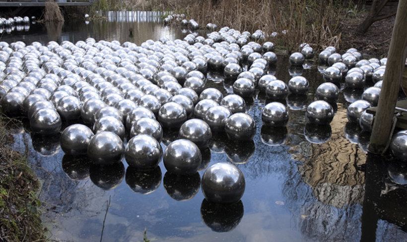 """<p>Narcissus Garden, 1966<br /><span style=""""line-height: 1.5em;"""">Installation View, Yayoi Kusama,Gallery I & II, Victoria Miro,</span><span style=""""line-height: 1.5em;"""">16 Wharf Road, London, N1 7RW, 2008</span></p>"""
