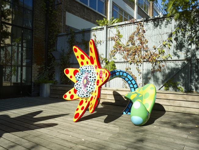 <p>Installation View, Yayoi Kusama, <i>Flowers That Bloom Tomorrow </i>, Victoria Miro Garden, 16 Wharf Road, London, N1 7RW, 2010</p>