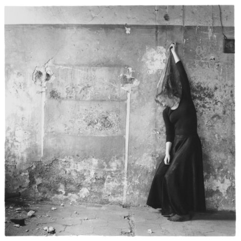 """<p>Untitled, Rome, Italy, 1977-1978<br /><em style=""""line-height: 1.5em;"""">Gelatin silver estate print,<span style=""""line-height: 1.5em;"""">20.3 x 25.4 cm</span><span style=""""line-height: 1.5em;"""">8 x 10 in</span></em><br /> <em>© The Estate of Francesca Woodman, Courtesy George and Betty Woodman and Victoria Miro Gallery</em></p>"""