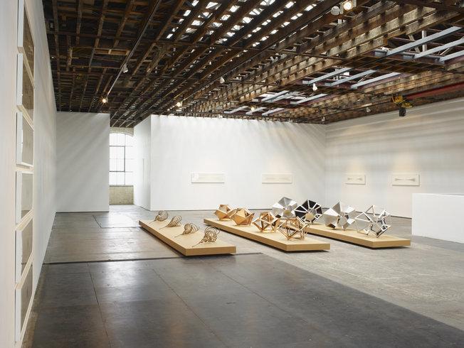 <p>Installation View, Conrad Shawcross,<em>Sequential</em>, Gallery I, Victoria Miro, 16 Wharf Road, London, N1 7RW, 2011</p>