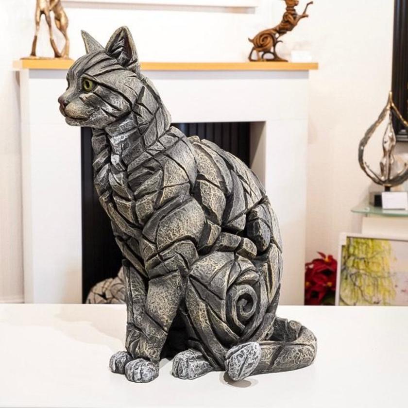 Cat Sitting - Tabby, 2019