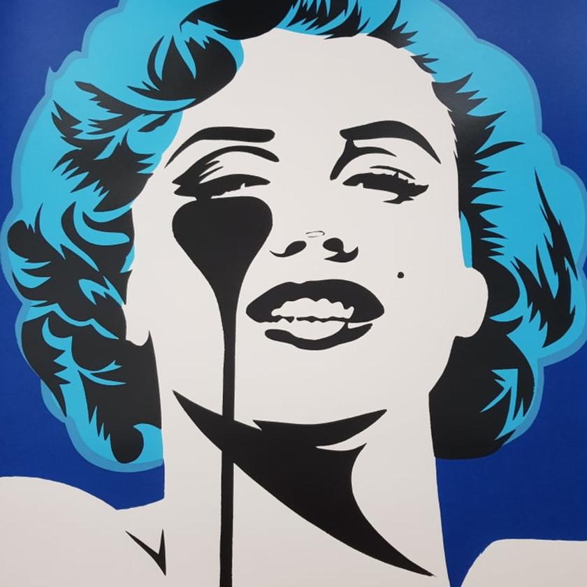 I Dream of Marilyn - Glacier Blue Hair