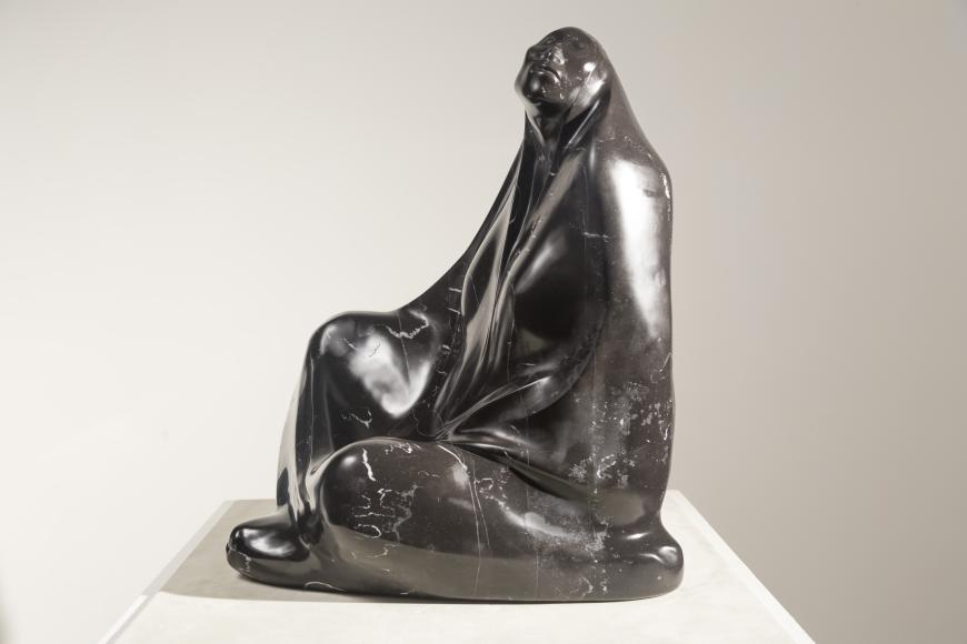 Mujer Sentada con Rebozo