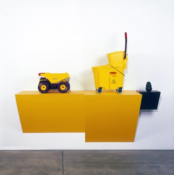 <strong>Haim Steinbach</strong>, <em>tonkong rubbermaid I - 1</em>, 2007
