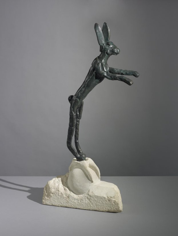 <strong>Barry Flanagan</strong>, <em>Ball and Claw</em>, 1981