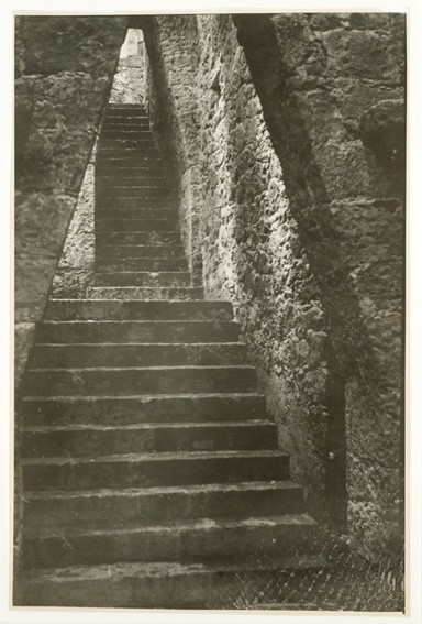 <strong>Josef Albers</strong>, <em>Untitled (Stairway, Anahuacalli, Mexico) (JAAF 1976.7.476)</em>, c.1947