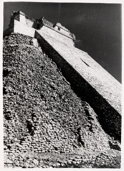 <strong>Josef Albers</strong>, <em>Untitled (Pyramid of the Magician, Uxmal, Mexico) (JAAF 1976.7.594)</em>, 1952