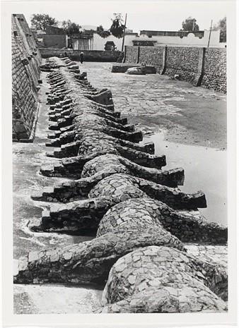 <strong>Josef Albers</strong>, <em>Untitled (Tenayuca, Mexico) (JAAF 1976.7.460)</em>, c.1935-39