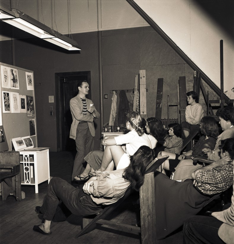 Image courtesy the Estate of Paul Feeley and Garth Greenan Gallery, New York