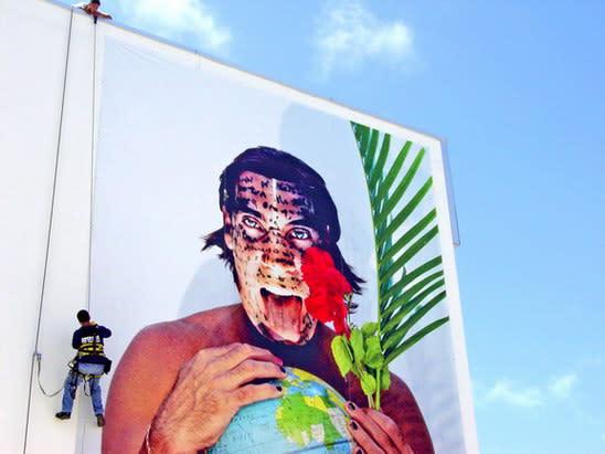 Carlos Betancourt, La Mascara Souvenirs Series, Untitled 1000 with Souvenirs, (Installation), 2005, 2005
