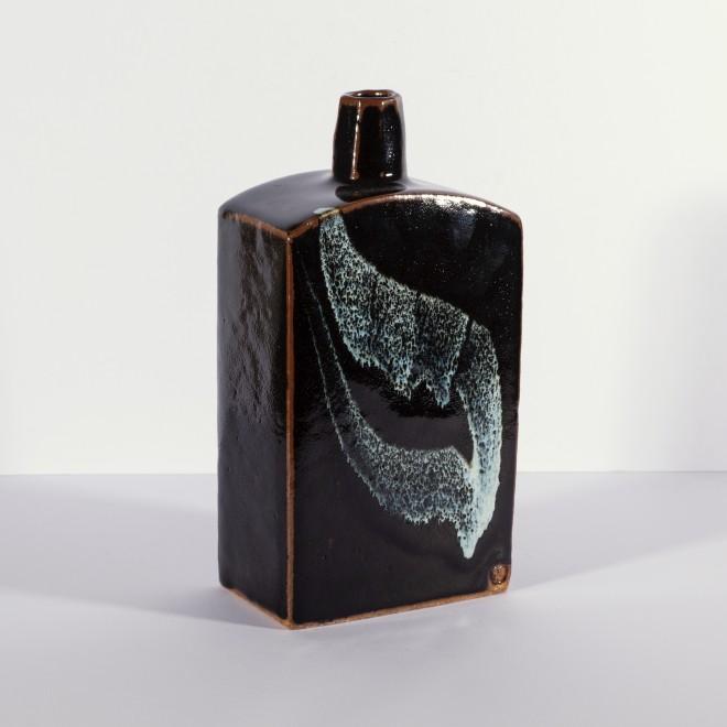 Dark slab bottle I