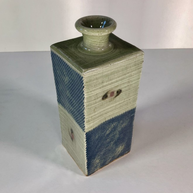 Square bottle I (Two Up)