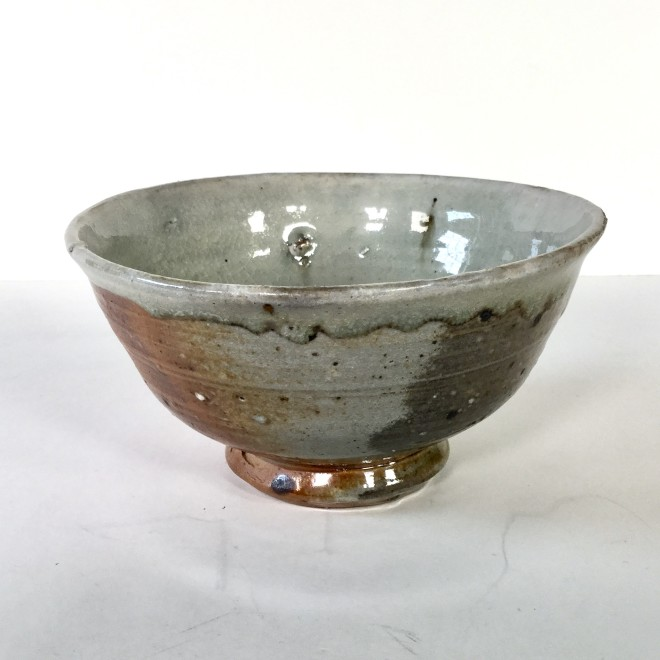Bowl with dripped edge