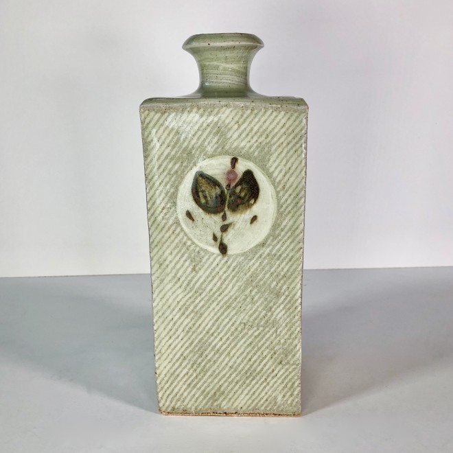 Square bottle II (Four Circles)