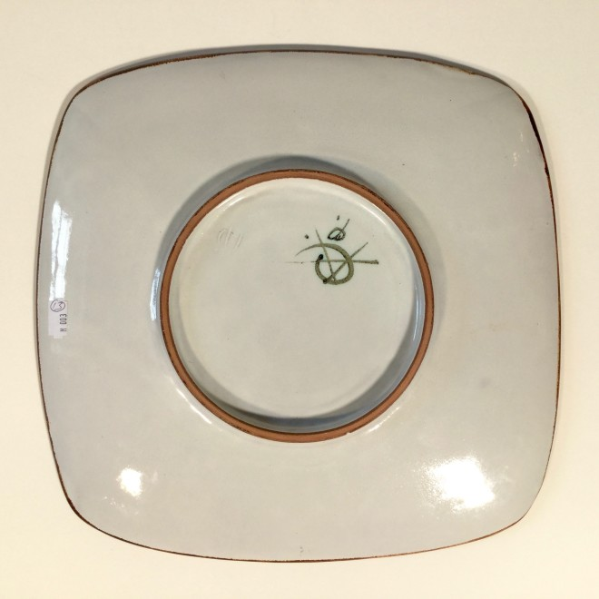 An Aldermaston Pottery square plate with a reed design