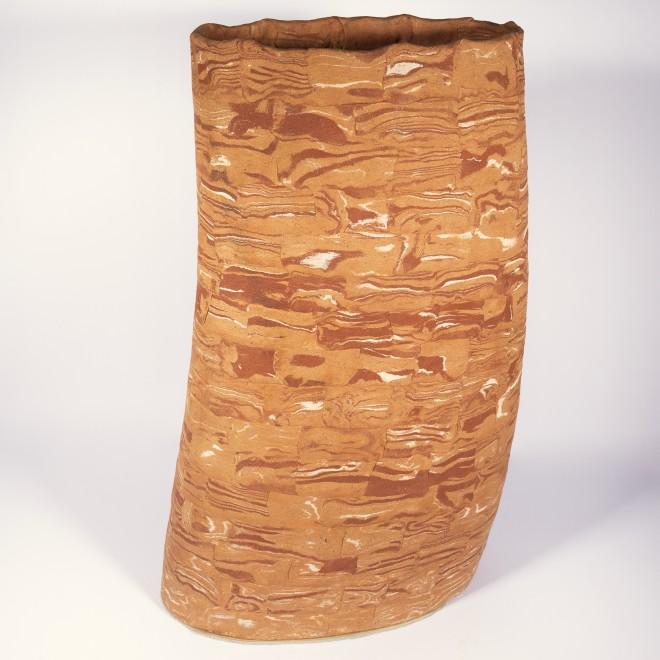Shifting vase