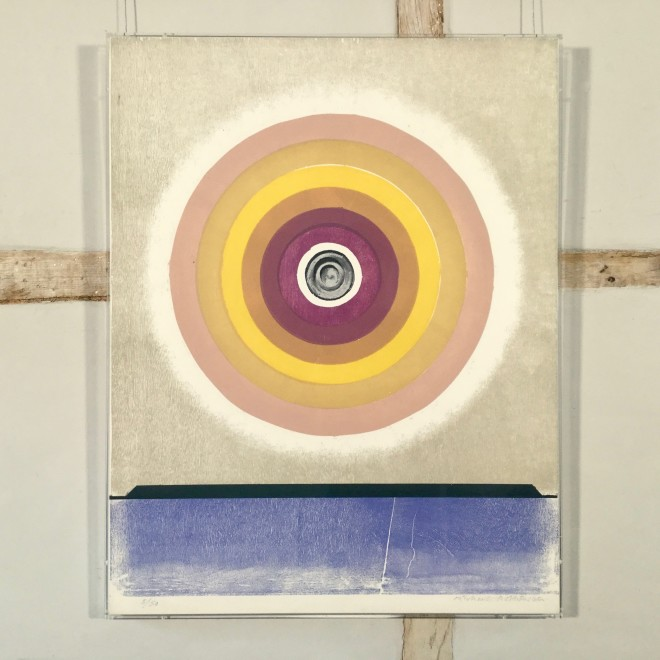 Circle (Beige to Purple, Black Centre) (Sidey 182)