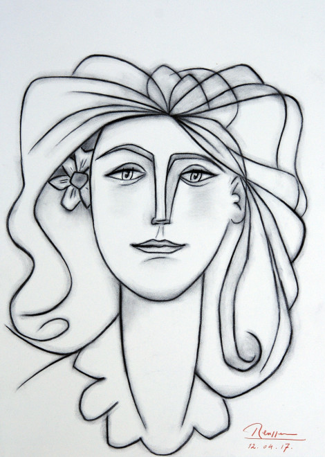 Size M | Woman with flower behind her ear